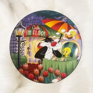"""Looney Tunes Six Flags Vintage Decorative Plate 8"""""""